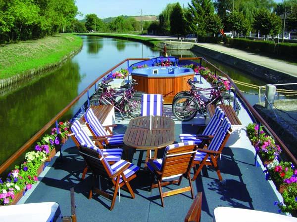 L'Art de Vivre | European Waterways