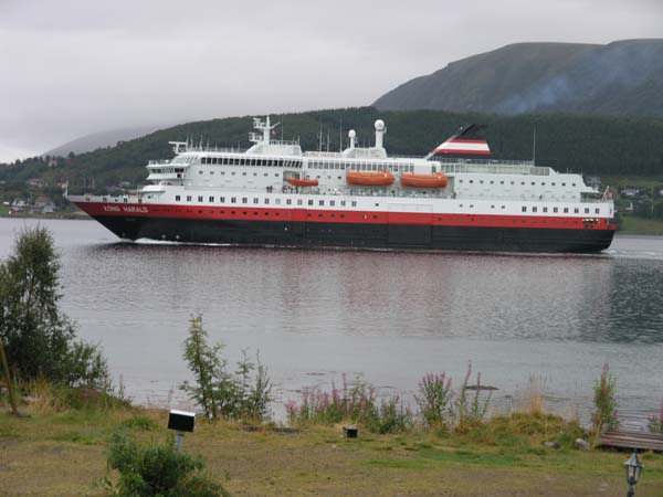 Kong Harald | Hurtigruten