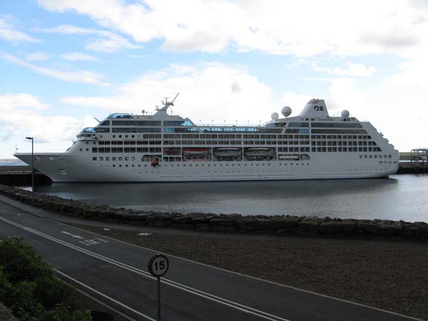 Adonia   P&O Cruises