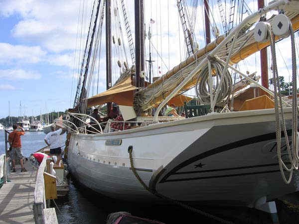 Schooner Mary Day |