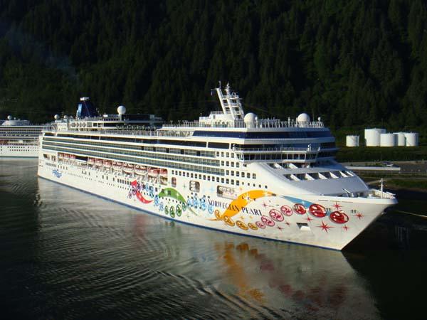 Norwegian Pearl   Norwegian Cruise Line (NCL)
