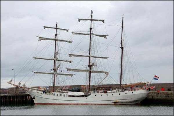 Artemis | Tall Ship Company