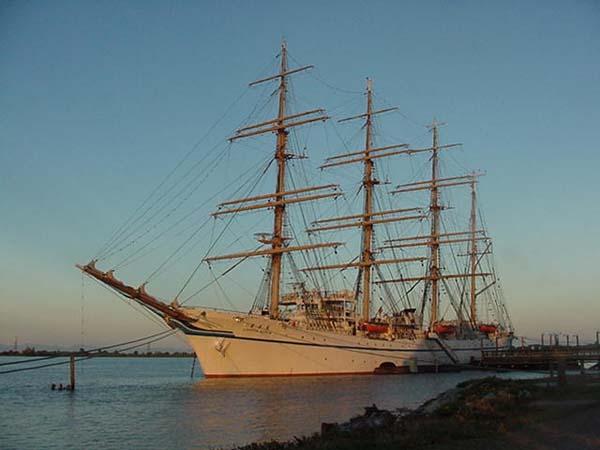Nippon Maru |